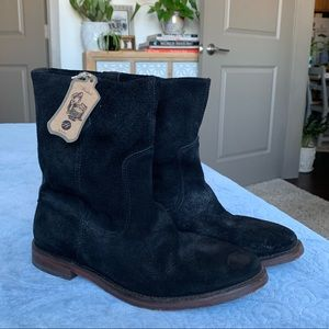 Hanwell from Hudson / Black Suede Boots NWT